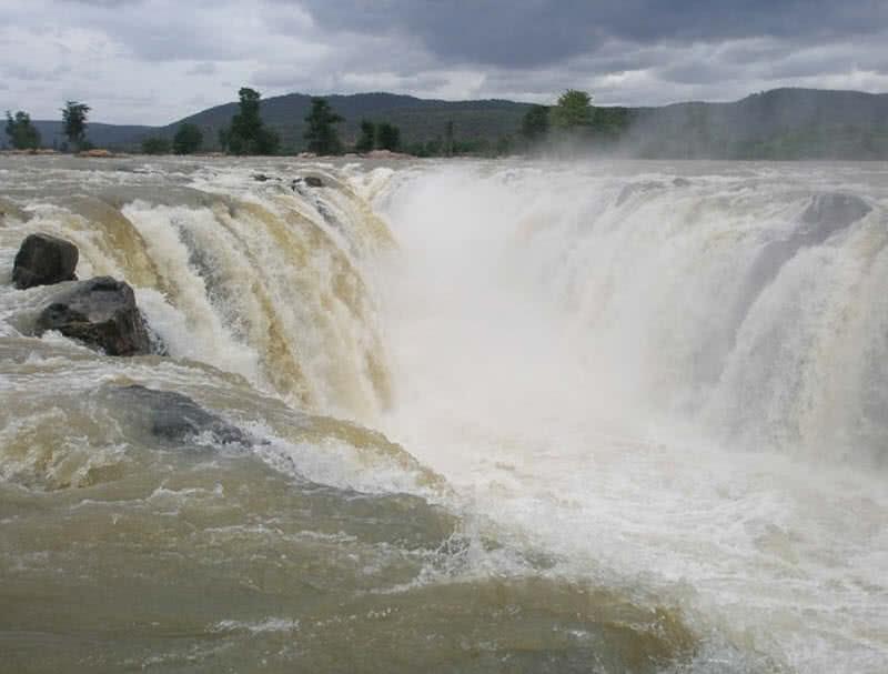 hogenakkal waterfalls, South India